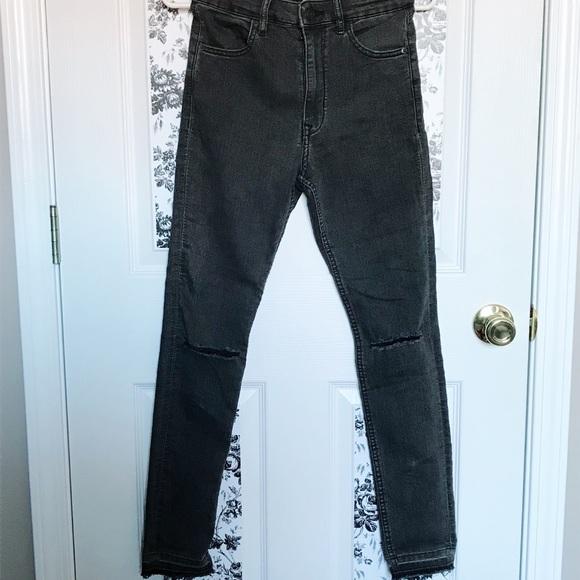 a80861d0e43 H&M Jeans | Skinny High Waist Kneeripped | Poshmark